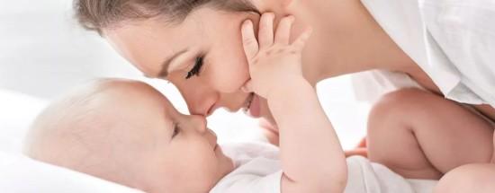'Губернаторские выплаты при рождении ребенка: правила, условия и суммы начислений в регионах
